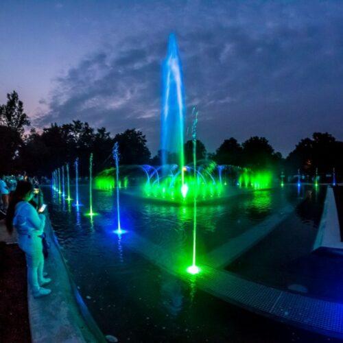 Poznaj nowe godzinny pracy fontann i przyjdź na bajeczny pokaz